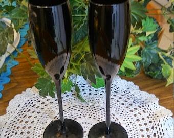 2  Libbey Vintage black champagne flutes