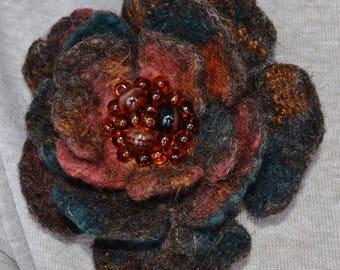 "Brooch felted ""Agate flower"""