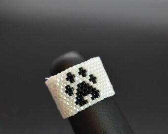 Paw Print Ring, fun, beaded ring, Animal Lovers, Fashion jewelry, chic, trendy