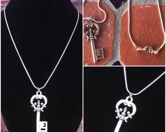Vintage skeleton key necklace sterling silver chain