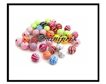 X 10 acrylic spiral round beads 8mm, mix colors.