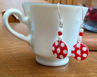 2 buttons red polka dot blancspour pierced earrings