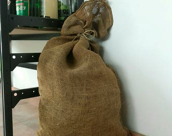 Bag in Burlap, trimmed with straw, sisale link