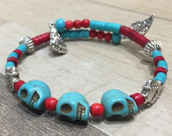 Bracelet ethnic howlite turquoise and Red skulls