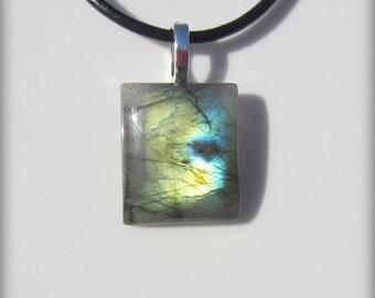 Green labradorite pendant