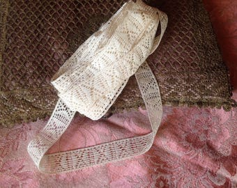 Two lace old, very good condition