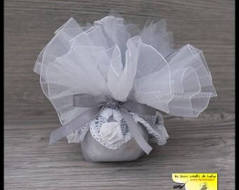 10 door sweets gray and white flowers for wedding or other event