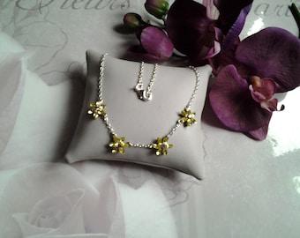 Necklace chain and swarovski flowers