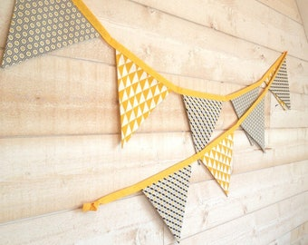 Garland 9 flags decorative 2 m 20, mustard, white and black