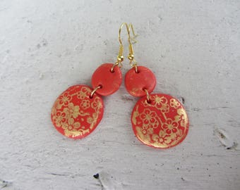 Red and gold drop earring with sequin round polymer clay red and Gold Flower motif, gold, metal hooks