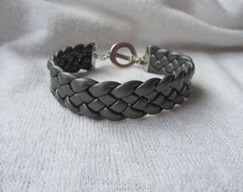 Cuff Bracelet braided modern and urban iridescent grey faux leather, large round toggle clasp in silver, ornament