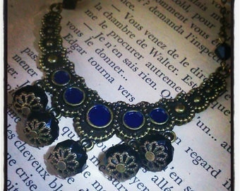 moon shape pendant necklace Navy Blue and black