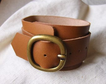 Camel leather buckle bracelet