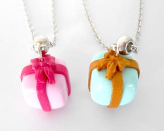 Gift with its Ribbon necklace