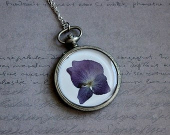 Necklace + genuine watch FOB (5 cm), resin and dried hydrangea flower
