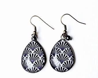 Bronze earrings - geometric waves dark - grey Pearl cabochon