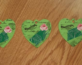 3 green hearts tags for your scrapbooking creations.