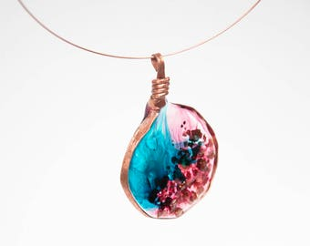 Hammered Copper & Resin Memory Wire Necklace