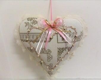 Heart decoration, shabby chic, romantic, cozy, cocooning, pearls, satin, lace, pearl, unique, present, passionnementseize, France