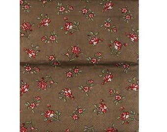 Set of 3 PLA164 red and White Roses on Brown background paper napkins