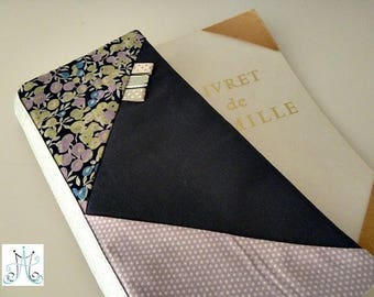 "Protects family book ""Tangram"" - Liberty Wiltshire purple"
