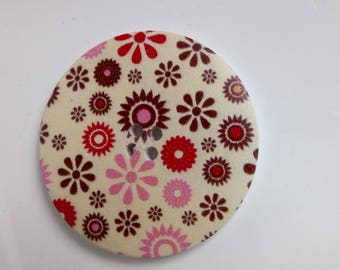 Large button 4 holes background cream mulicolores floral print