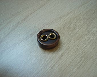 button shape round wood and gold