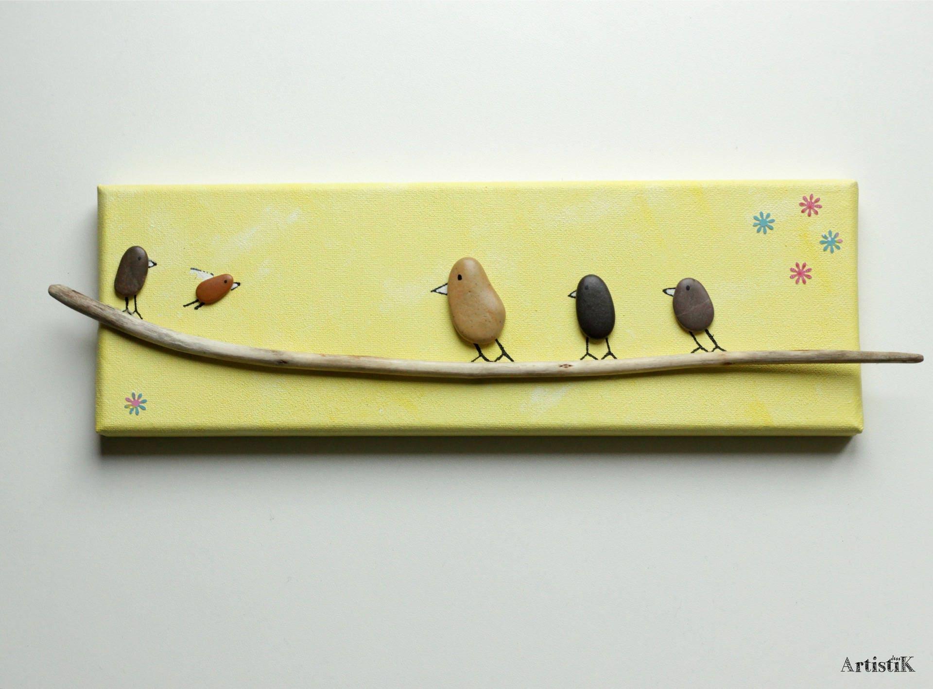 Tableau jaune tableau galets tableau oiseaux bois flott for Tableau avec bois flotte