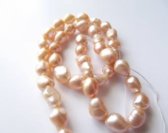 38 freshwater pearls irregular tinted salmon light 7-9 mm STAR-163