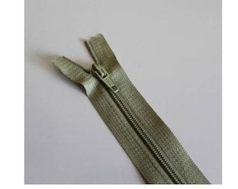 Khaki green not separable zipper clear 18 cm, couture quality zipper