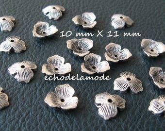 30 bead caps, caps, caps Silver 3 petal 10 mm X 11 mm beads