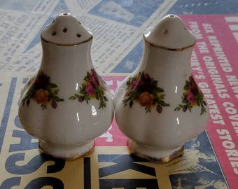 Royal Albert Salt & Pepper Crust Set