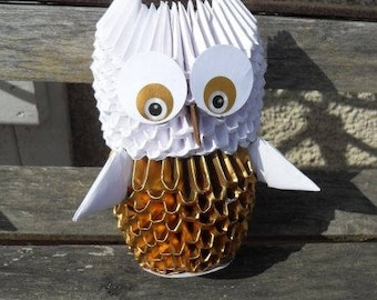 Origami 3D gold owl, night light or pencil holder, folded paper