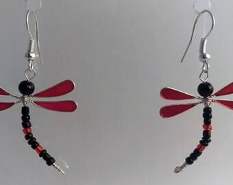 Boucles d'oreilles libellule rouge et noir
