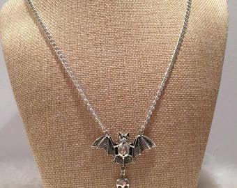 Silver bat necklace jewelry mouse skull