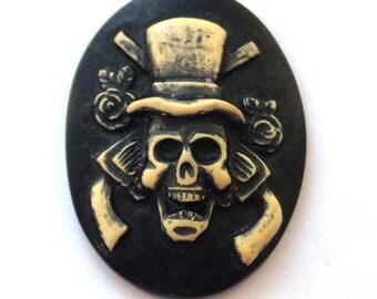 Cabochon cameo Gothic skull (29x38mm)