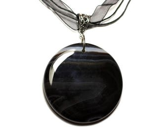 N4 - Necklace - black and white Agate stone pendant 50mm round