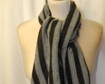 Small woolen scarf