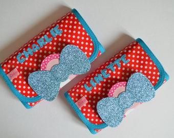 Custom pins pouch