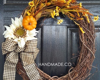 Fall Wreath // Autumn Wreath // Sunflower Wreath // Front Door Wreath // Farmhouse Decor //  House Warming Gifts // Grapevine Wreath