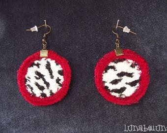 Vintage hooks, round earrings reversible leopard black and white and Burgundy leather fabric