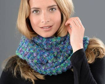 Knit - knitted cabled cowl Kit