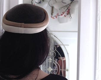 1960s Pillbox Hat with Bee