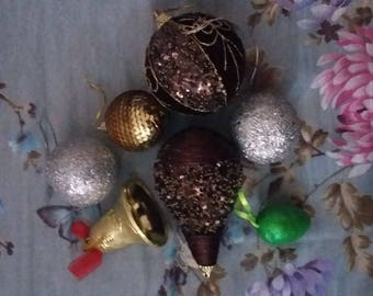SET OF ORNAMENTS TO DECORATE YOUR CHRISTMAS TREE