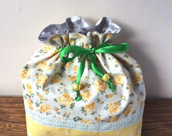 Drawstring bag - yellow roses