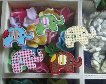5 buttons mixed color 2 - hole wooden buttons dyed printed elephants, 20 x 29 x 4 mm, hole: 2 mm