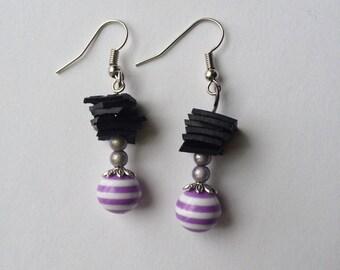 Room recycled bike tube and resin bead - purple earrings