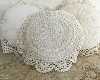 Romantic retro cushion: placemat and cloth is old vF
