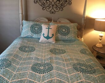 Full/Queen Beach style fitted coverlet, coastal bedding, Teal/white quilt set,  fitted comforter, Condo quilt, fitted bedspread, Matelasse