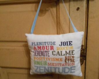 embroidered handbag - Zen pillow